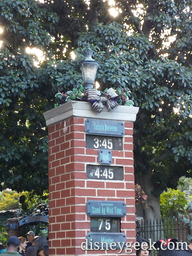 Haunted Mansion Holiday at 2:40pm 75 min standby or 65 min FP return
