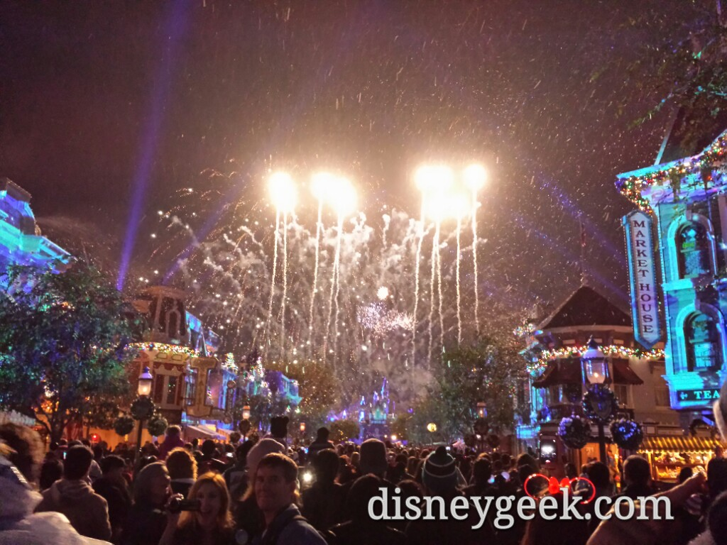 #DisneylandForever – Let it Go #Frozen snow