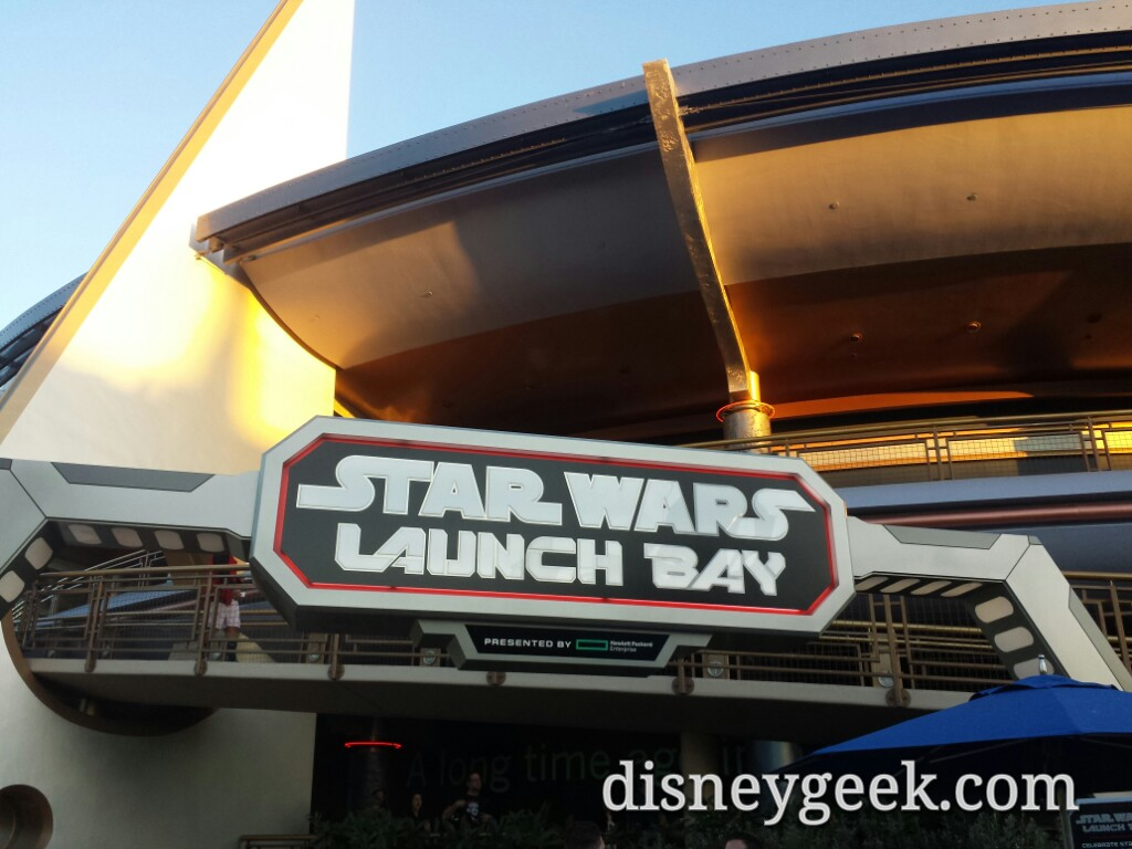 #StarWars Launch Bay had 30 min wait for either character, upstairs 20min for SpiderMan
