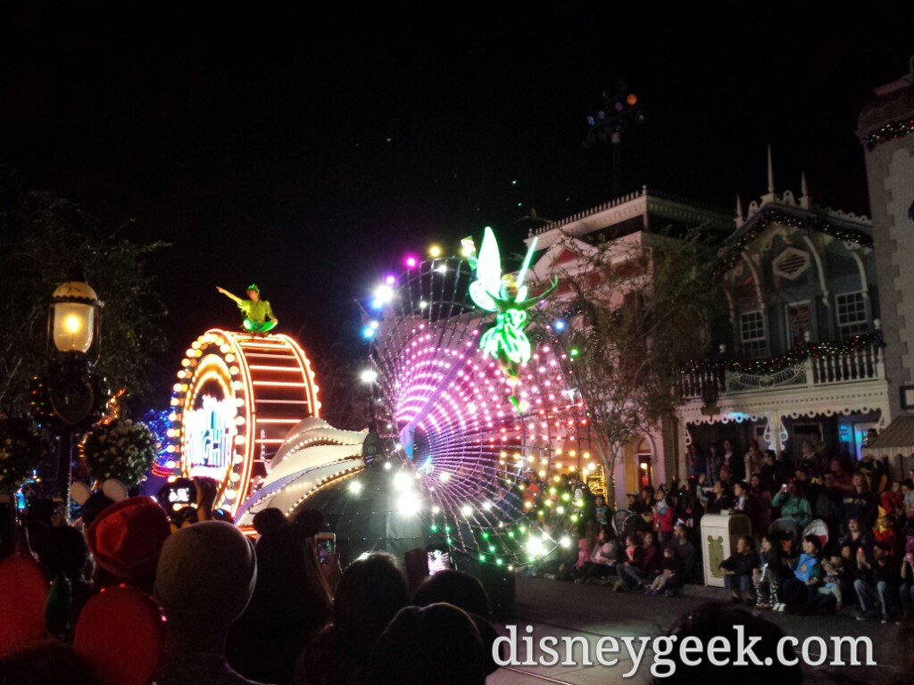 After my cruise found a spot on Main Street USA just as Paint the Night was starting #Disneyland