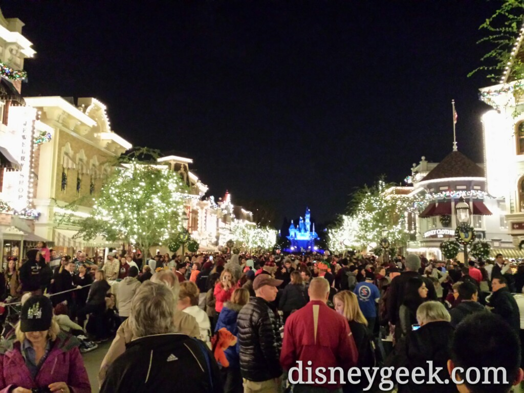 Main Street USA at 9:05pm filling up for #DisneylandForever