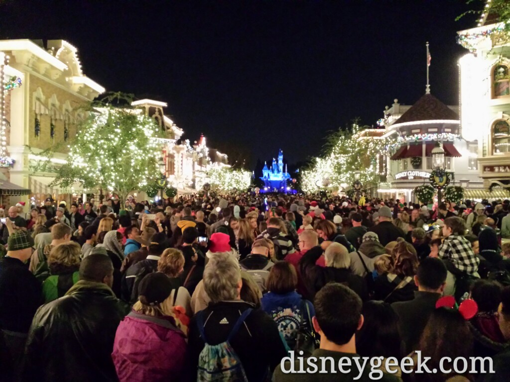 Main Street USA at 9:30pm right before #DisneylandForever