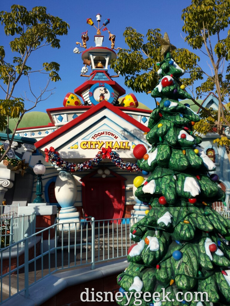 Toontown City Hall #Disneyland #DisneyHolidays