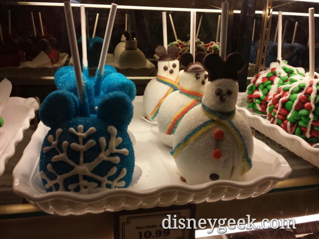 #DisneyHolidays treats at Trolley Treats on #BuenaVistaStreet