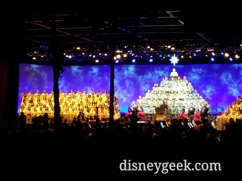 #Epcot Candlelight Processional – Joe Morton is the narrator tonight