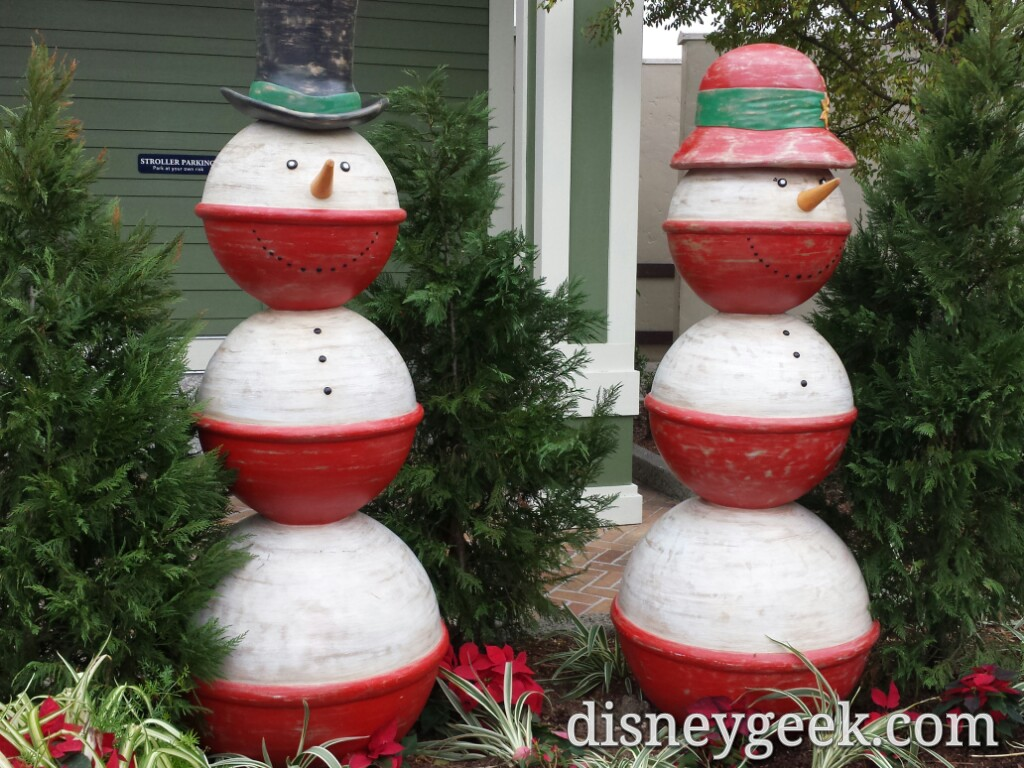#Christmas decorations near the Boat House in Disney Springs