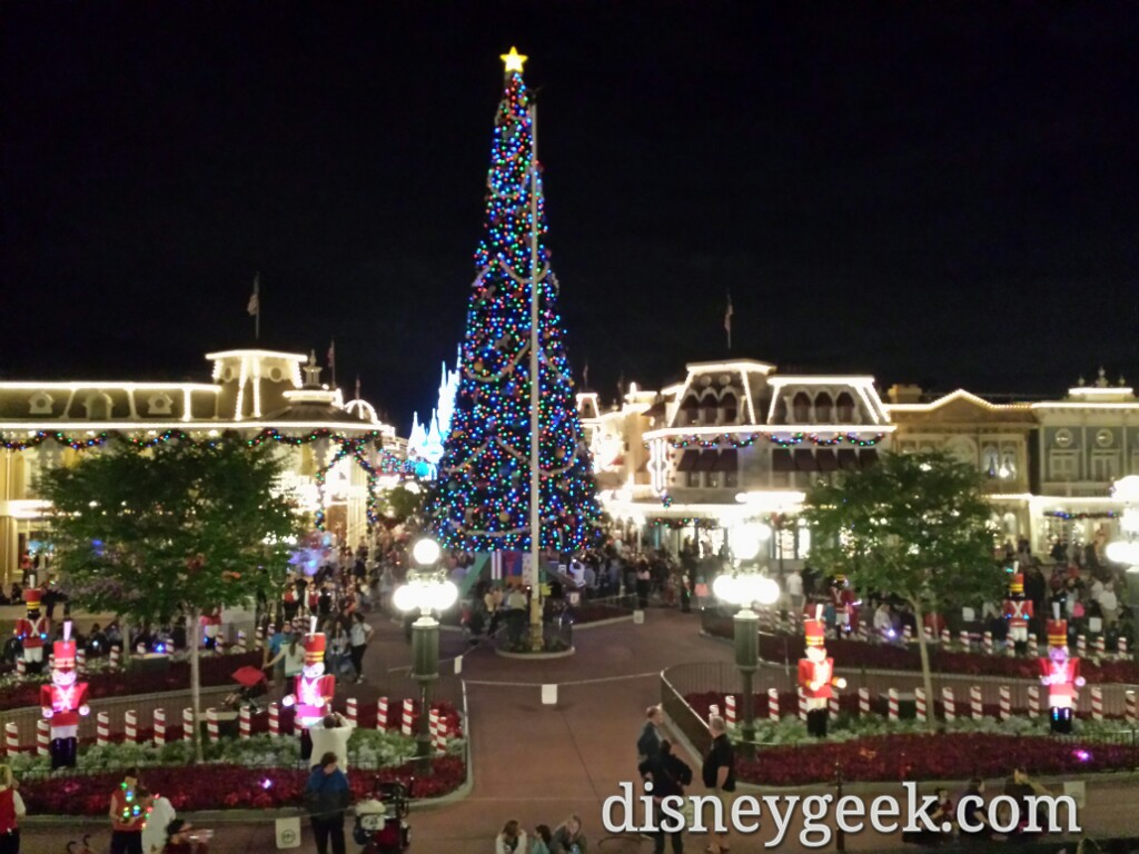 Town Square #Christmas tree at the Magic Kingdom #DisneyHolidays