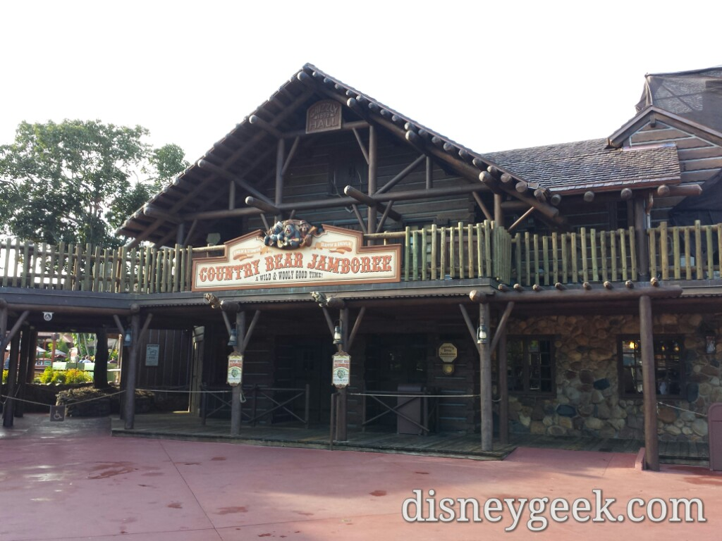 Passing by the Country Bear Jamboree #WDW