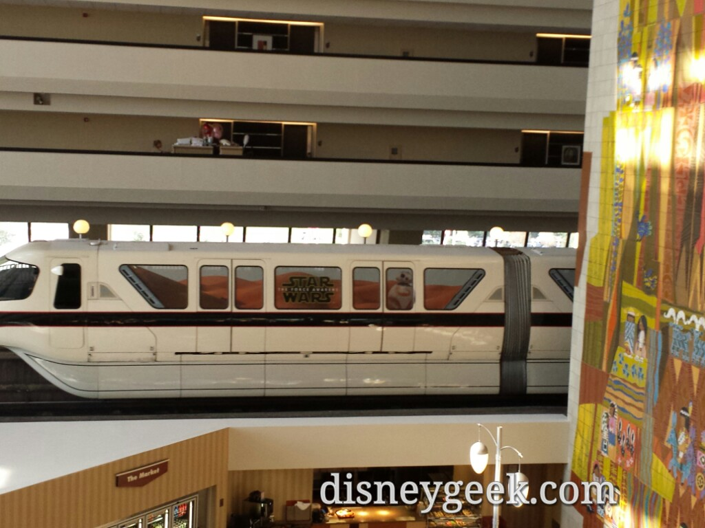 #StarWars Monorail black on the express line passing through the Contemporary #WDW