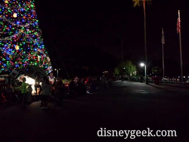 The line to board a Friendship boat from the Studios stretched back to the Christmas tree as we were leaving.