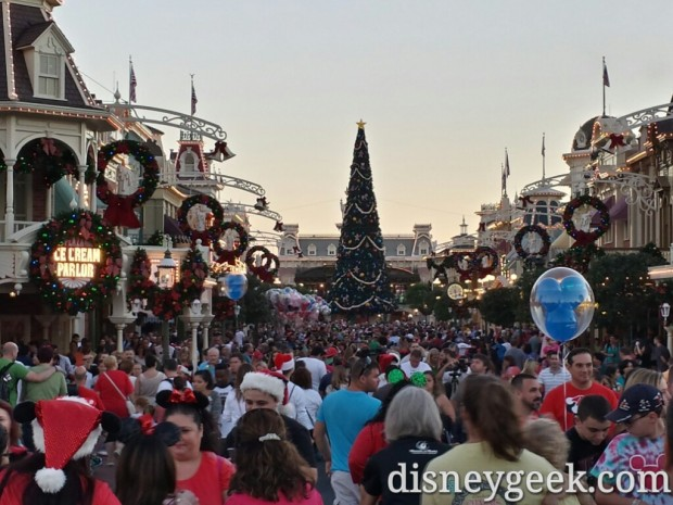 Main Street USA around 5:30pm reminded me of Disneyland
