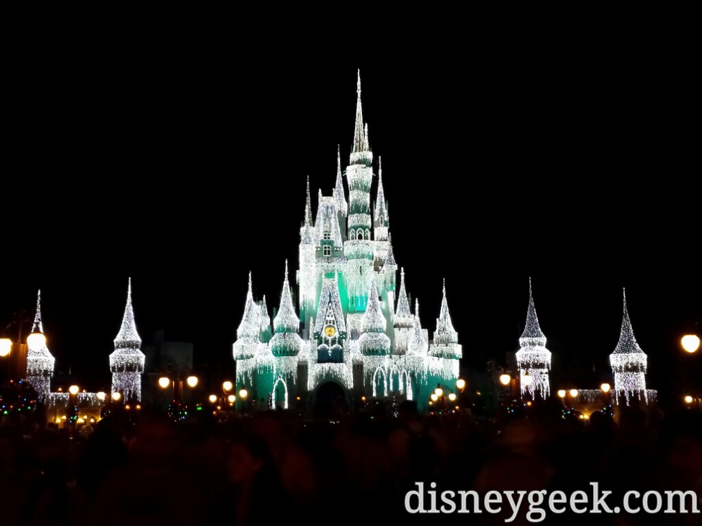 Cinderella Castle & new turrets with #Christmas / ice lights #WDW