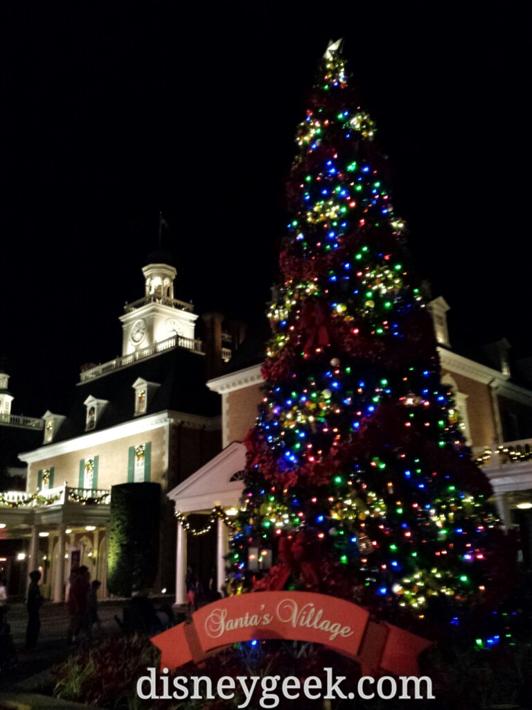 The American Adventure & #Christmas tree #Epcot #WDW
