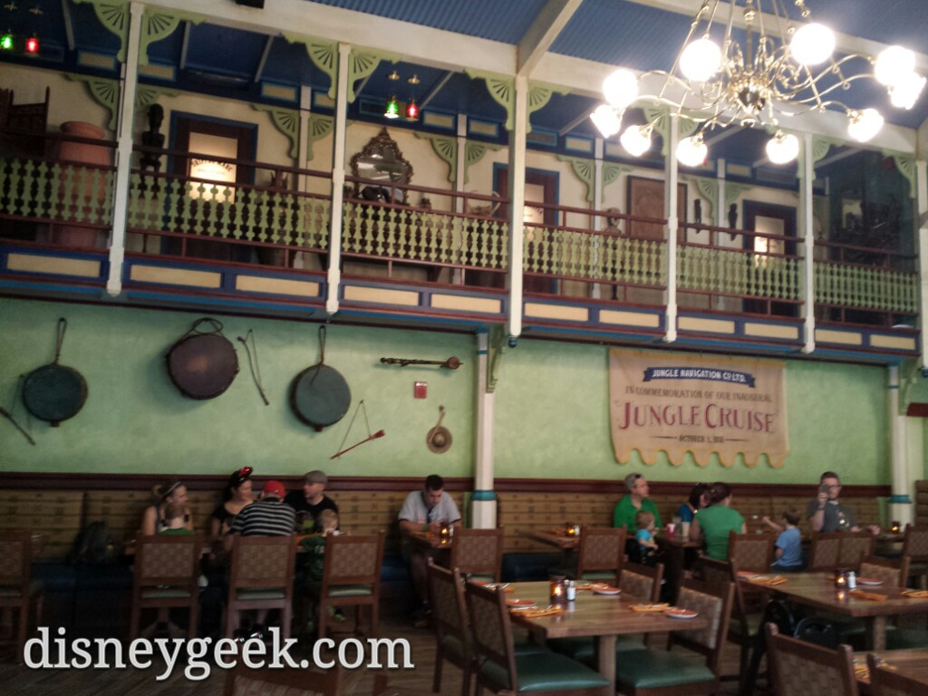 A quick look into the first dining room of the Skipper Canteen