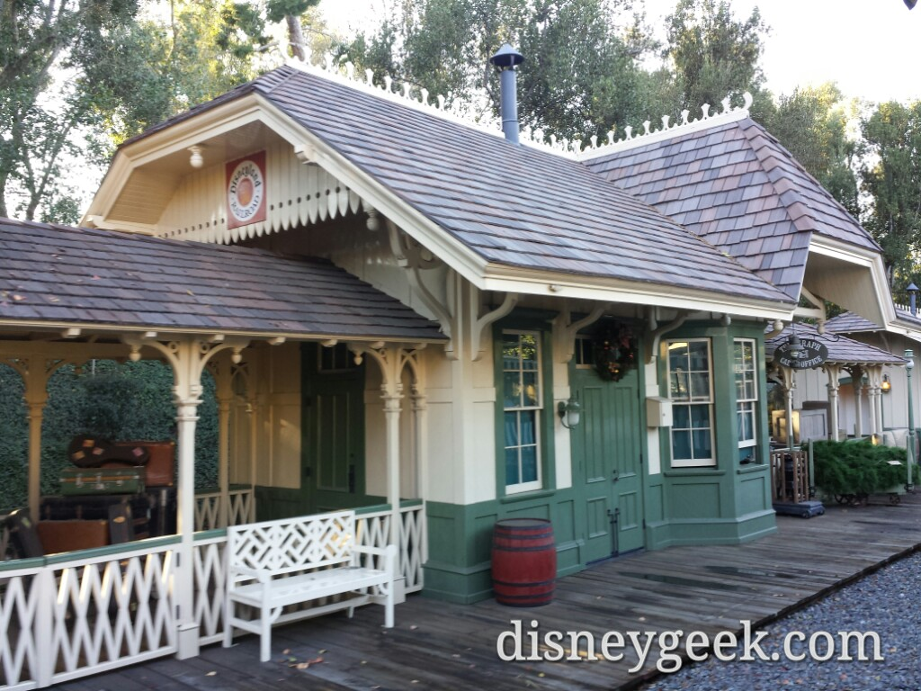 Frontierland depot as I depart for my grand circle tour of #Disneyland