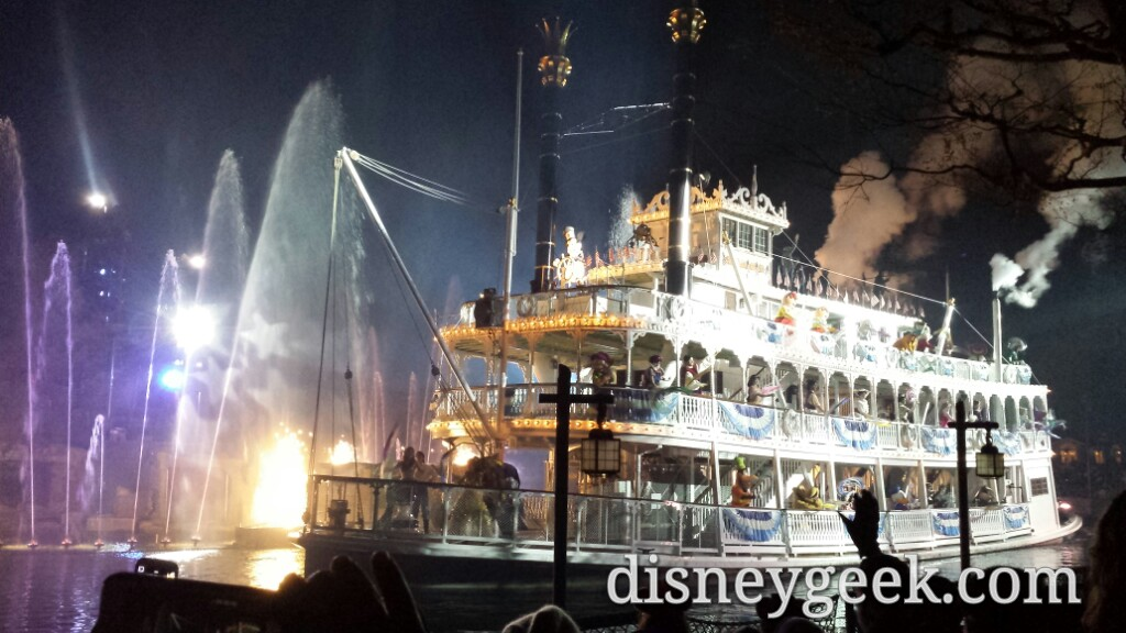 Mark Twain making its #Fantasmic pass #Disneyland