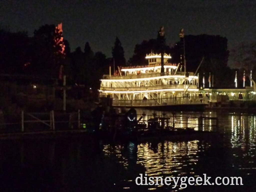 Several techs out working on the center Fantasmic fountains this evening – are they using them during #Disneyland Forever or planning to?