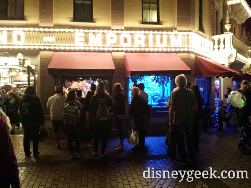 The enchanted Emporium windows still attracting crowds at #Disneyland