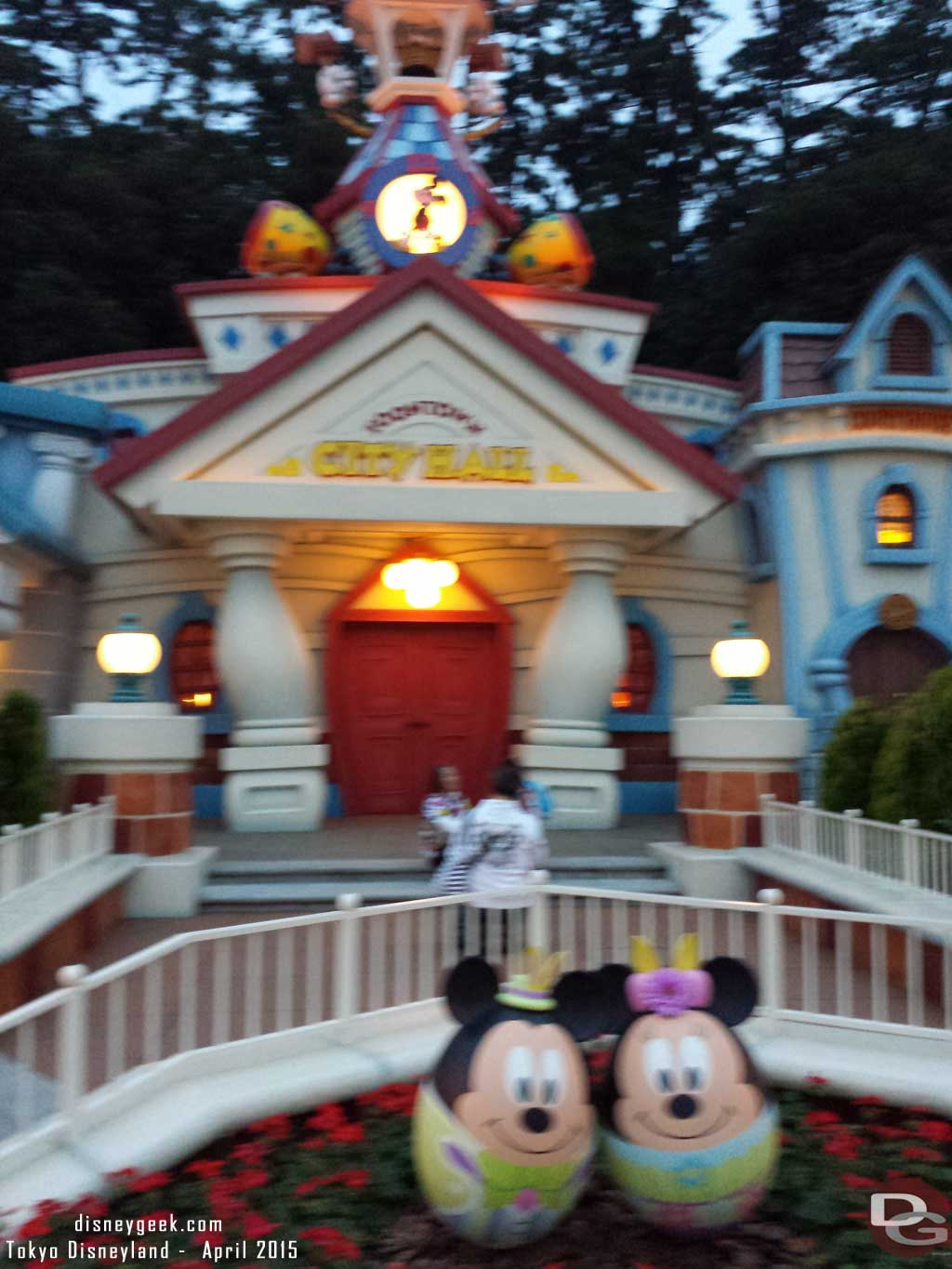 Mickey & Minnie in Toontown