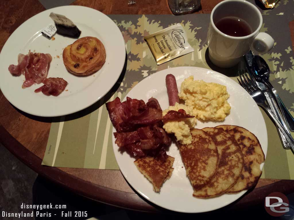 Disney's Sequoia Lodge - Golden Forest Lounge Breakfast