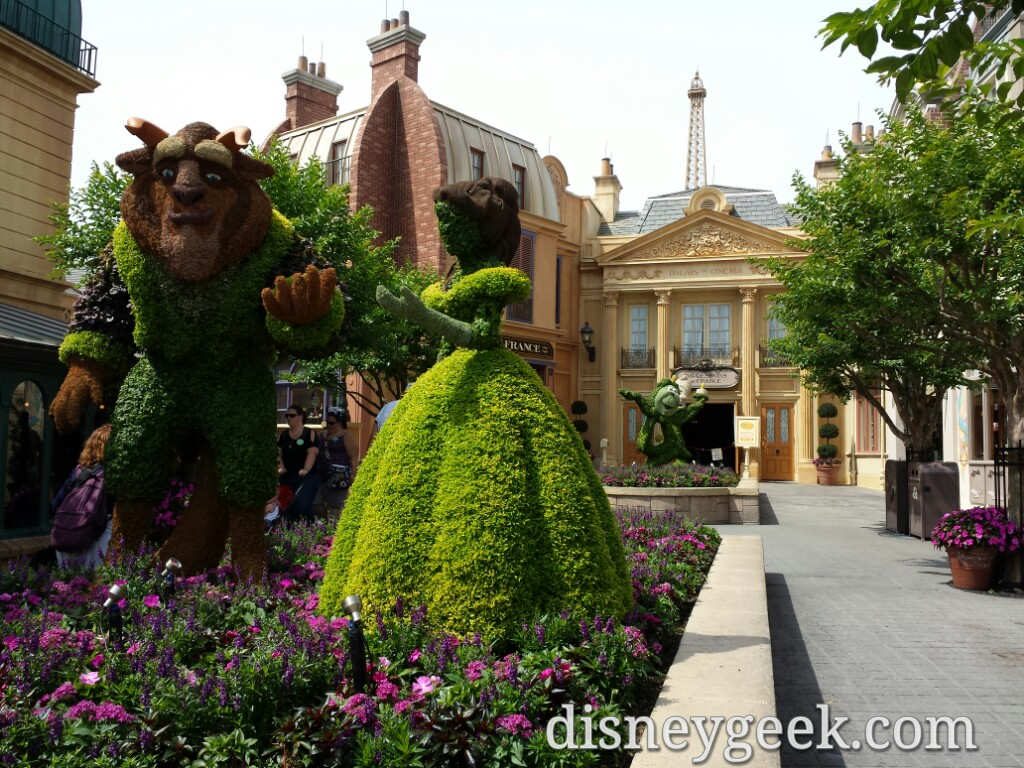 2016 - Belle & the Beast Topiaries from Beauty and the Beast