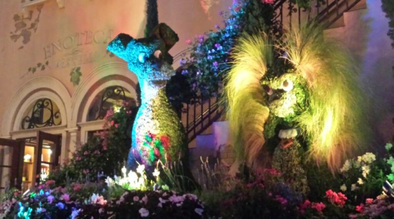 Lady and the Tramp Topiaries near Italy