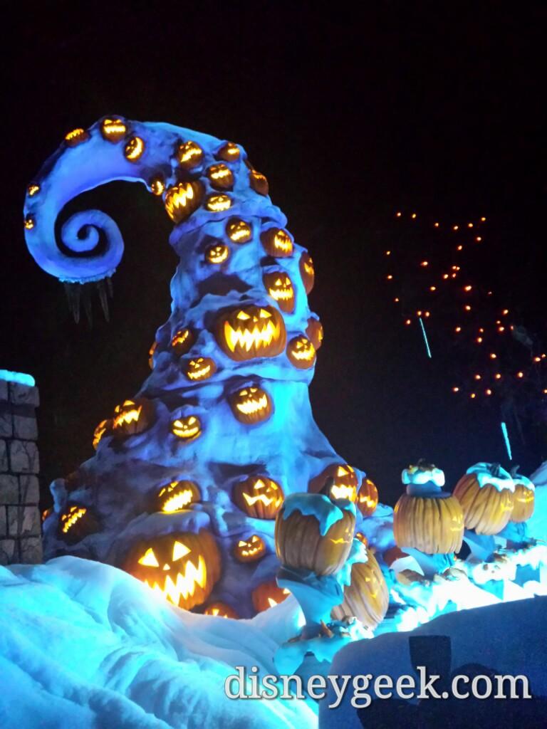 my 1st look at disneyland halloweentime 2016 � the geek