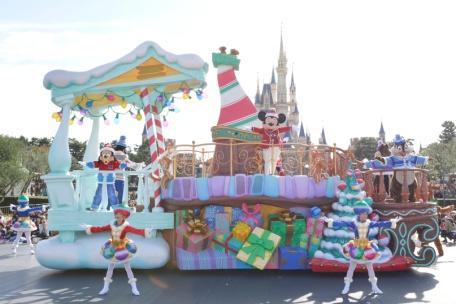 """Christmas Fantasy"" a t Tokyo Disneyland"
