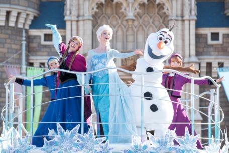 """Anna and Elsa's Frozen Fantasy"" at Tokyo Disneyland"