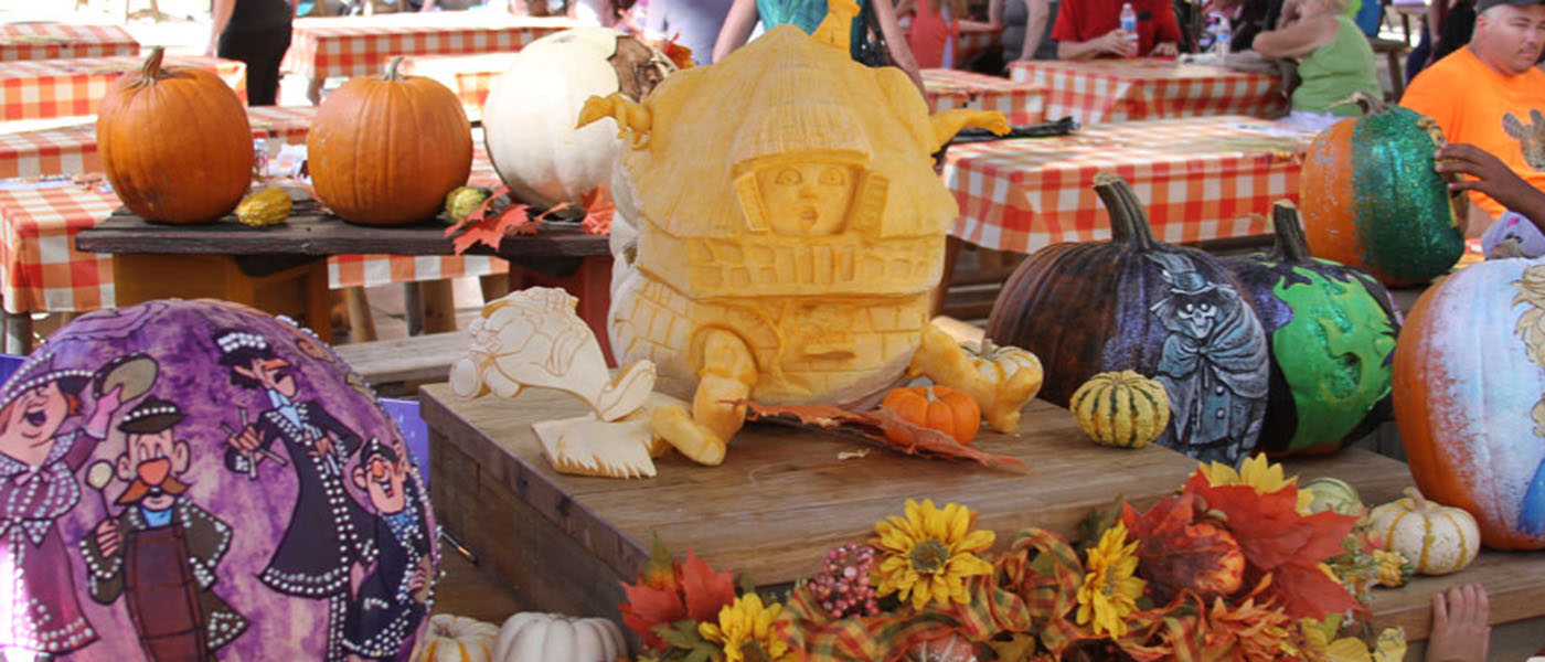 2014 Pumpkin Carving @ Disneyland