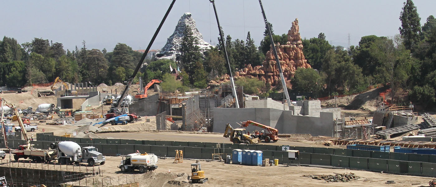 ​Disneyland Star Wars Construction Check (9/16)