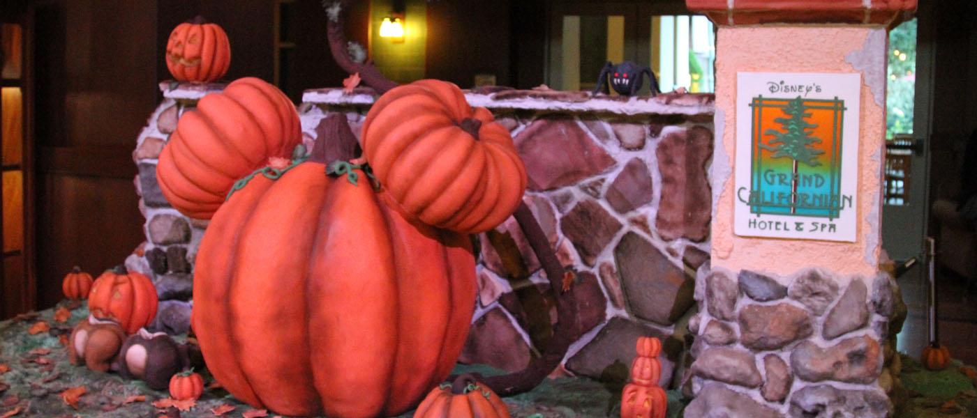 """Grand Californian Halloween Pump-""""cake"""" Patch – The Geek's"""