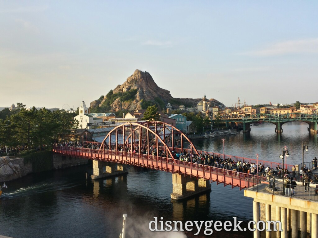 Tokyo DisneySea - The line on the bridge is for a Table Is Waiting.