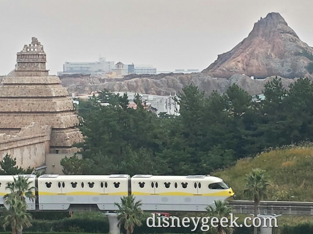 Tokyo Disney Resort Line passing DisneySea