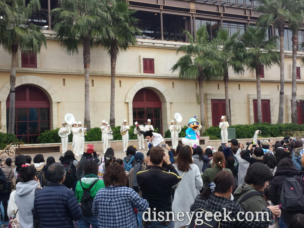 Tokyo DisneySea - Mickey, Donald and the Band greeting you.