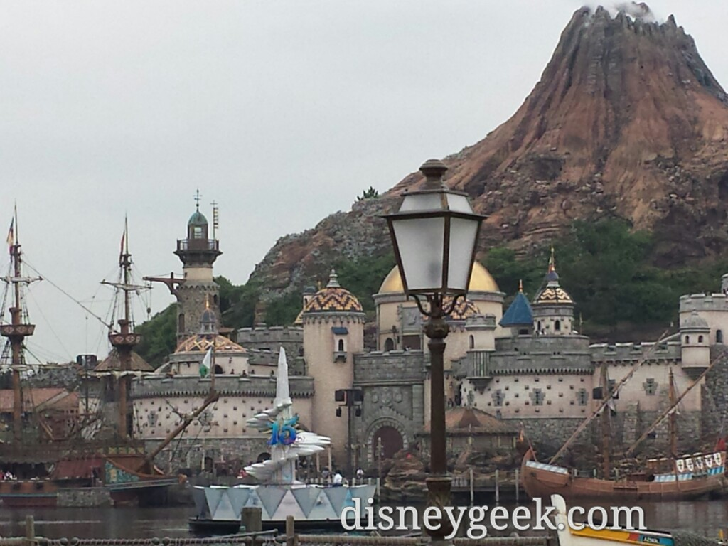 Tokyo Day 3: A rainy and cool afternoon/evening at Tokyo DisneySea