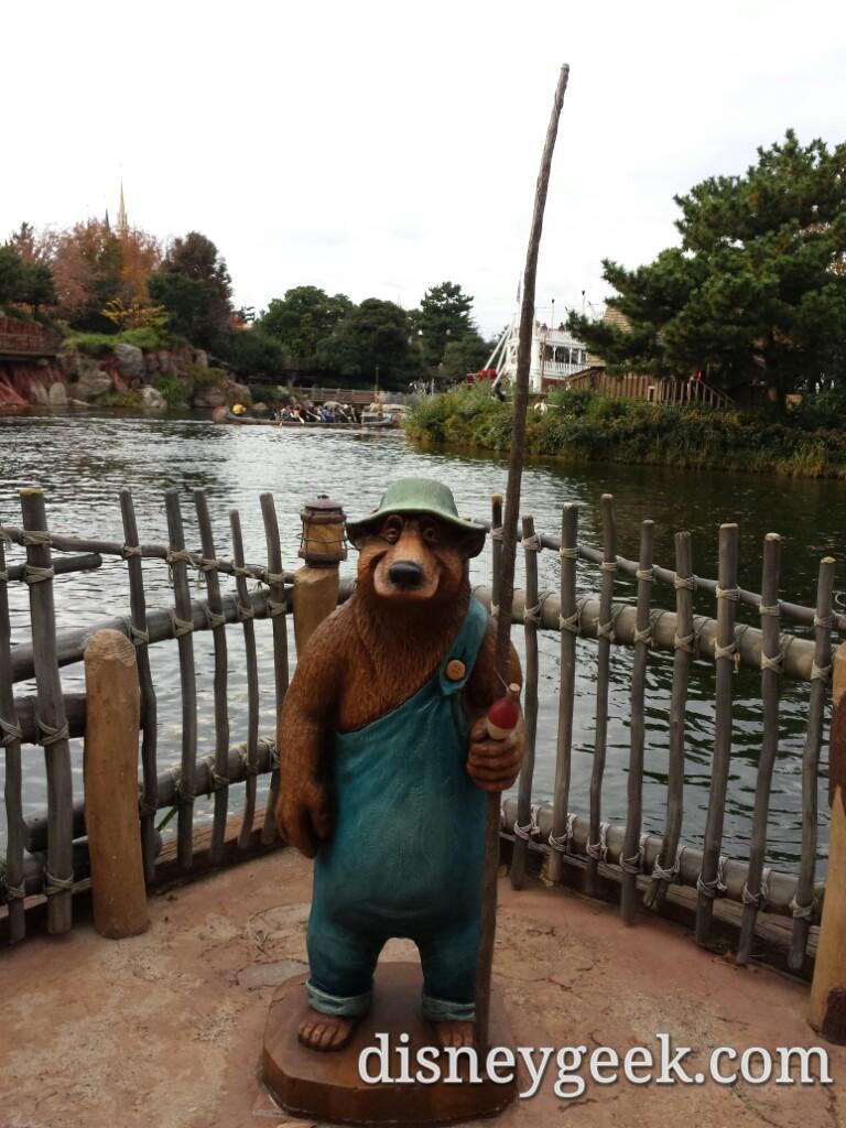 Tokyo Disneyland - Critter Country - Fishin' Bear