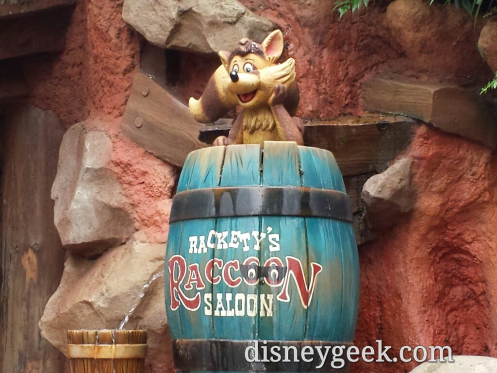 Tokyo Disneyland - Critter Country - Racoon's Saloon