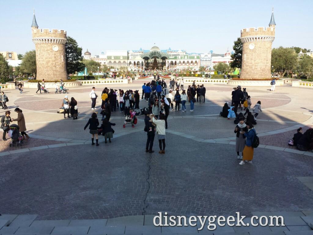 Tokyo Disneyland - Central Plaza