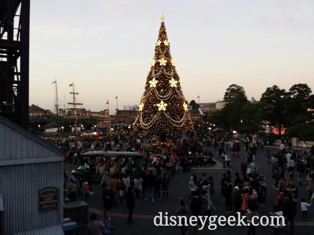Tokyo DisneySea - Christmas Tree