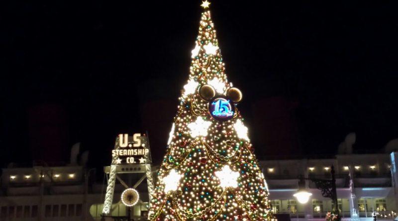 Tokyo DisneySea - The American Waterfront Christmas Tree