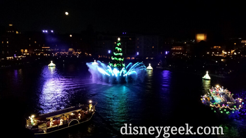 Tokyo DisneySea - Colors of Christmas from Fortress Explorations