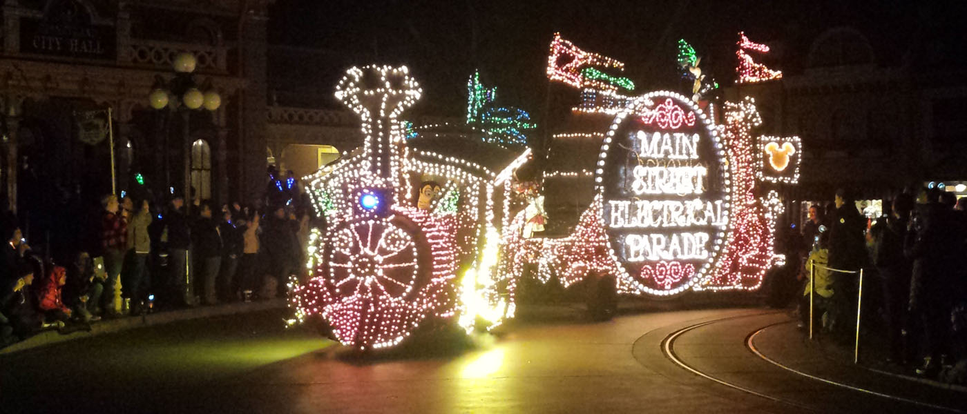 1st Look – Main Street Electrical Parade Returns to Disneyland