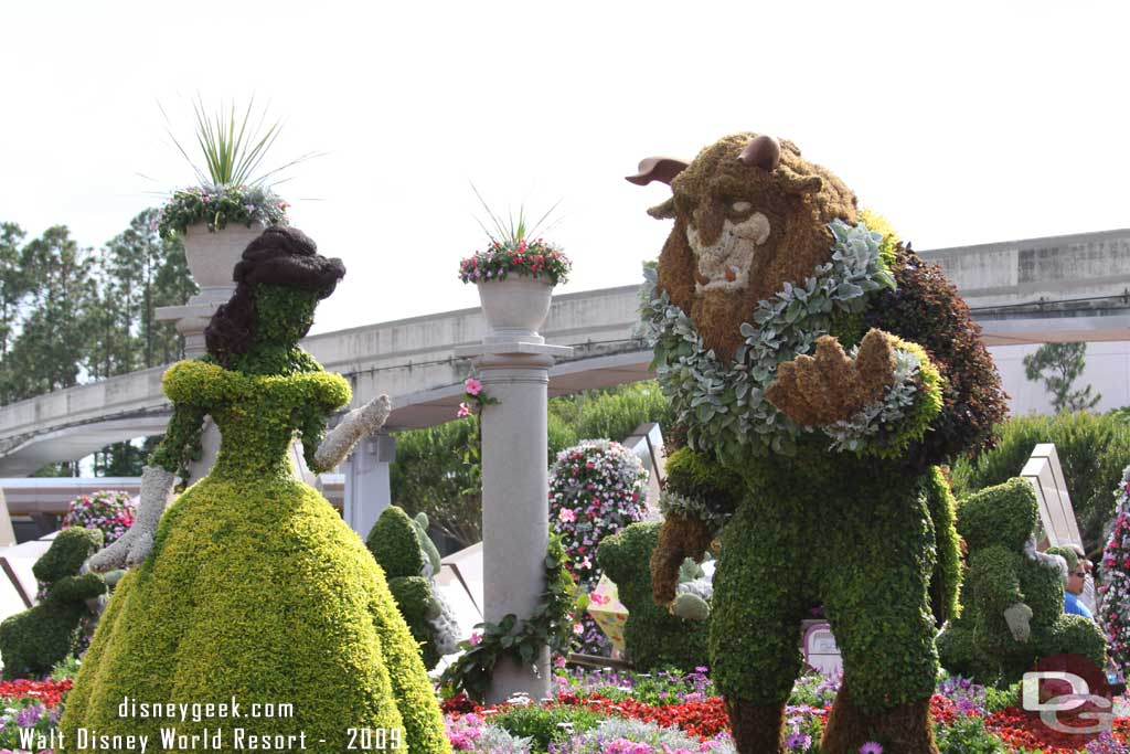 2009 - Belle & the Beast Topiaries from Beauty and the Beast