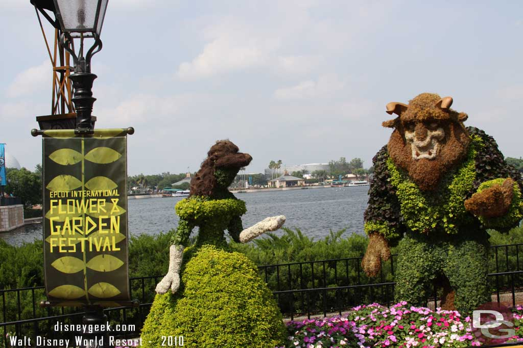 2010 - Belle & the Beast Topiaries from Beauty and the Beast