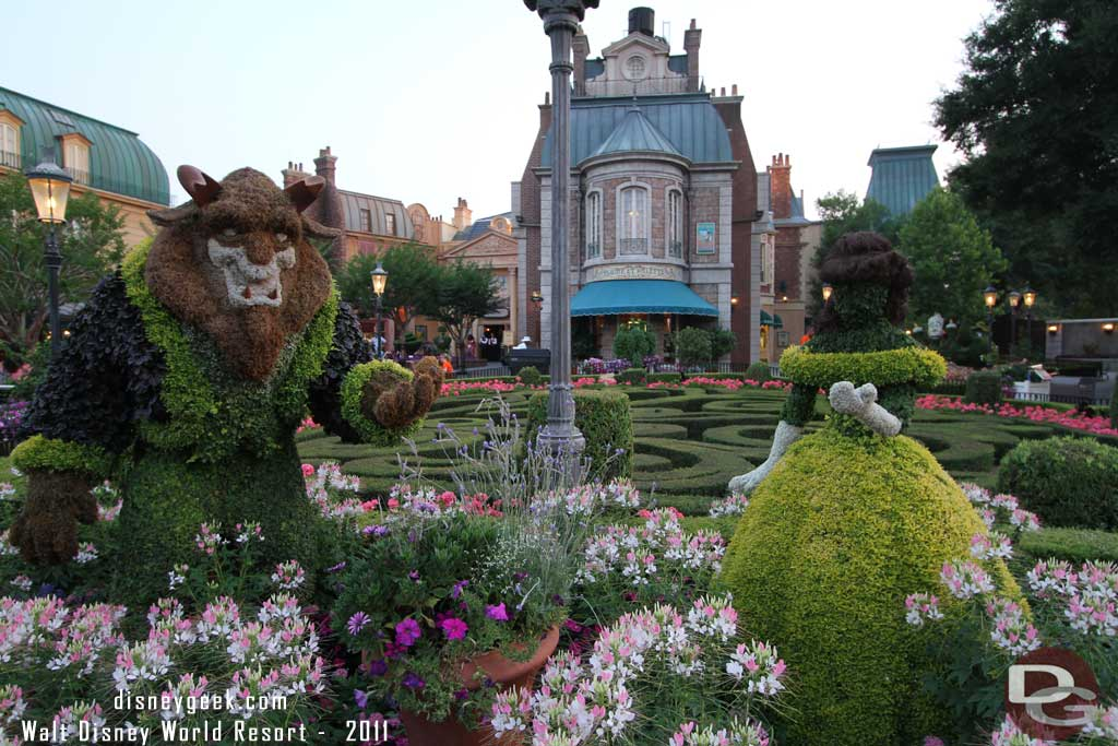 2011 - Belle & the Beast Topiaries from Beauty and the Beast