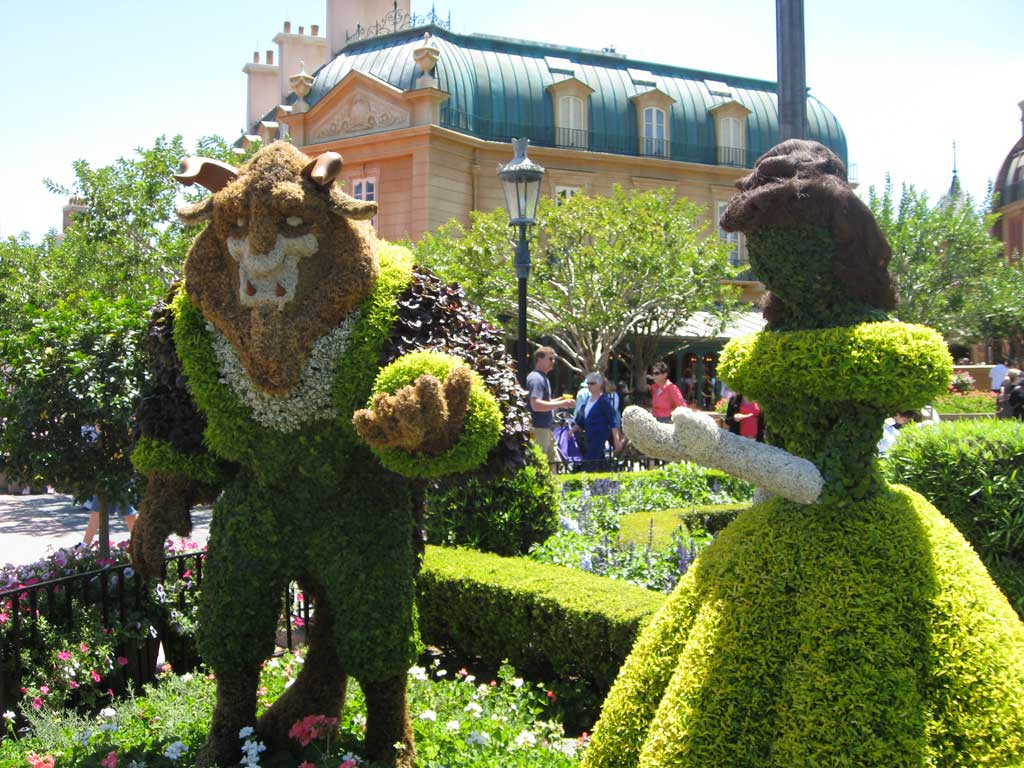 2012 - Belle & the Beast Topiaries from Beauty and the Beast