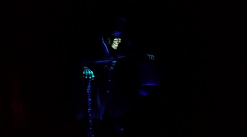Disneyland  Haunted Mansion Hatbox Ghost (Picture & Video)