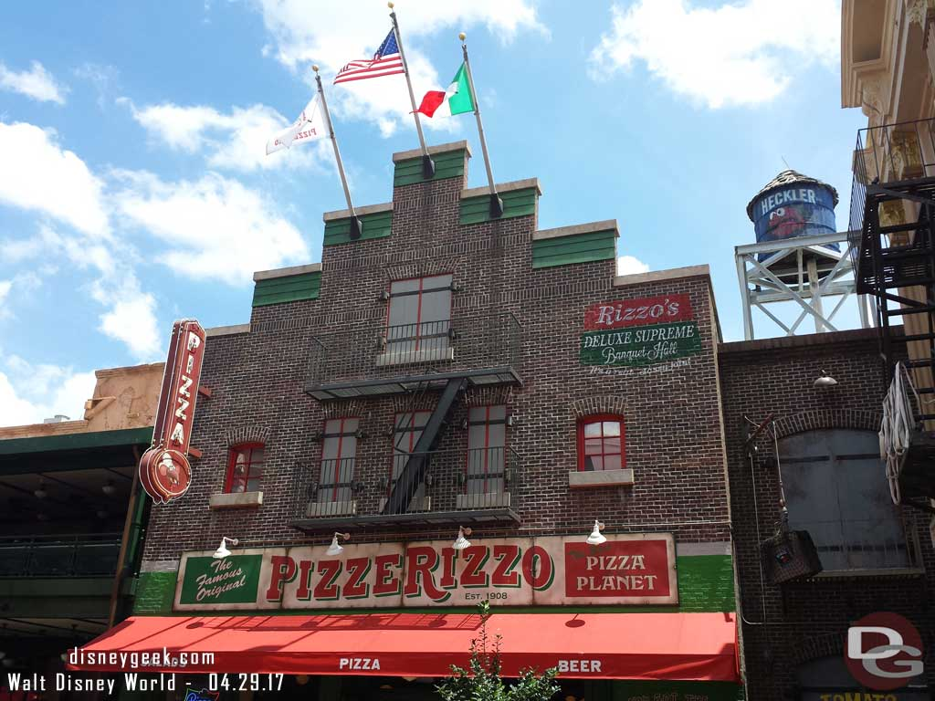 Time for lunch at PizzeRizzo