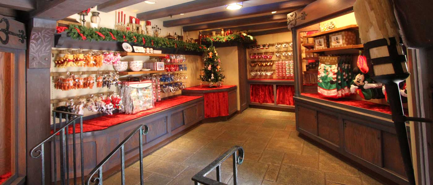 1st Look @ Castle Holiday Shoppe in Fantasyland – The Geek